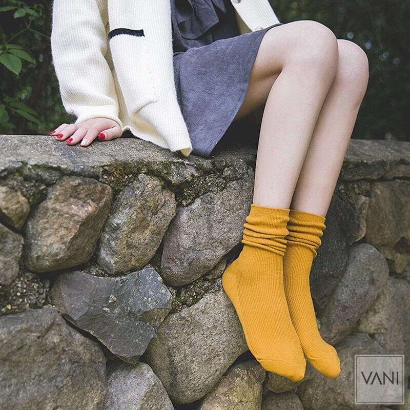 Tất nhún Hàn Quốc Nam Nữ – Kiểu dáng Vintage Vớ len gân tăm nhỏ cổ cao (dài)
