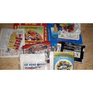 Set 5 bộ cờ gồm cờ tỷ phú và cờ vua và cờ đua ngựa và cờ bác học và vòng quanh thế giới