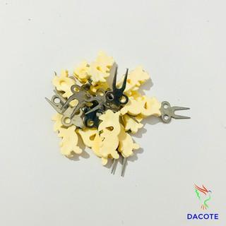 Xiên chuối hoa quả cho chim chất liệu nhựa bền đẹp giá rẻ thumbnail