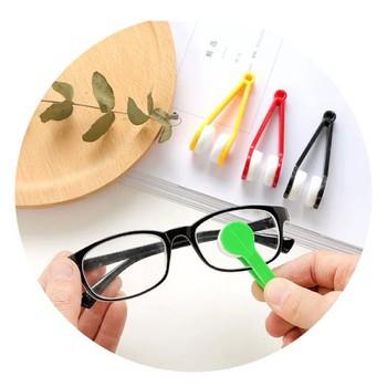 Dụng cụ chùi mắt kính tặng bao da thời trang đựng kính