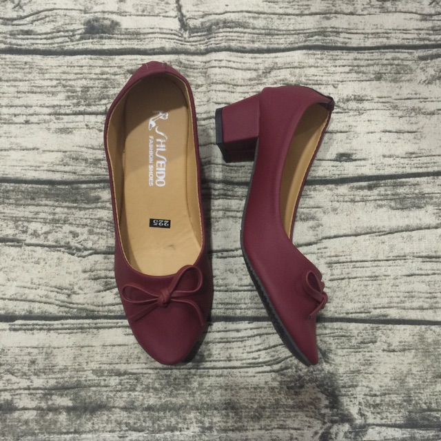 Giày gót vuông đỏ nơ nhuyễn