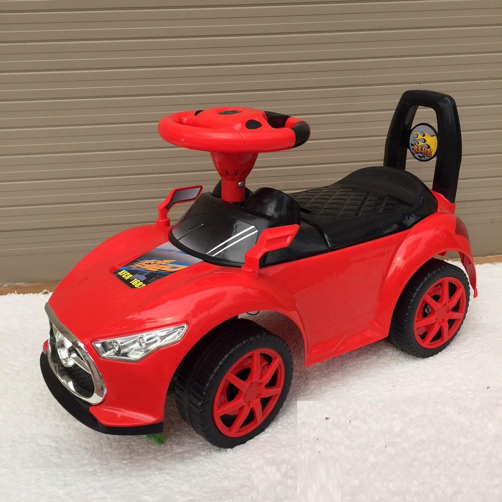 Xe chòi chân ô tô có đèn nhạc tiếng Anh cho bé