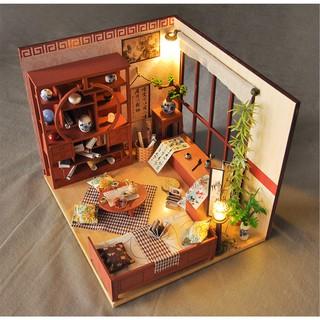 Mô hình nhà búp bê gỗ – căn phòng của một họa sĩ mê thư pháp