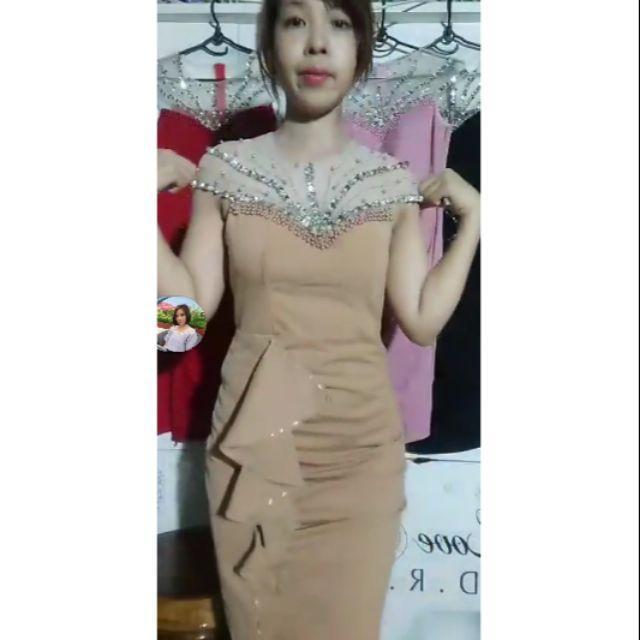 2281885911 - Một đầm công chúa và một đầm thiết kế kim sa màu da