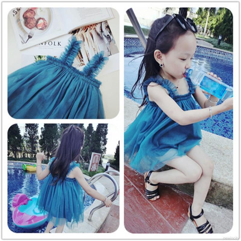Váy xòe Tutu sát nách phong cách công chúa cho bé gái