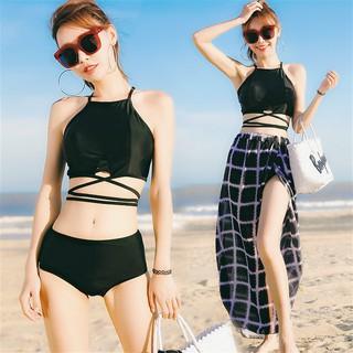 Bikini hai mảnh gợi cảm đi kèm áo khoác ngoài dành cho nữ