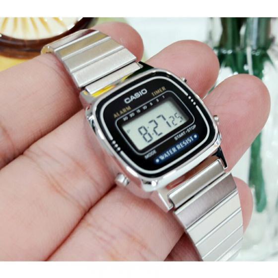 Đồng Hồ Nữ CASIO STANDARD LA670WA-1DF Điện tử - Dây kim loại chống nước 5 ATM thanh