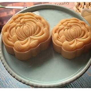 Khuôn bánh trung thu lò xo 1 mặt hình hoa cúc từ 50-75gr