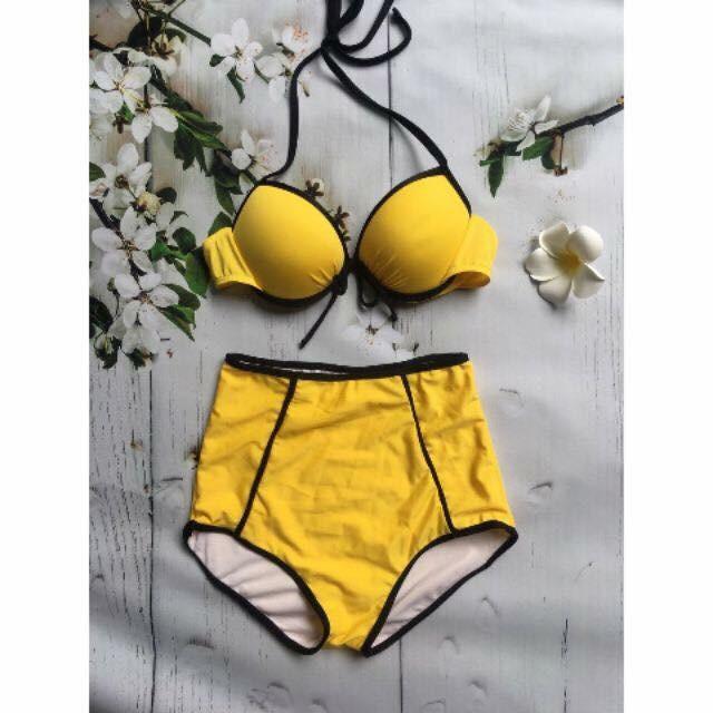 bikini ngực, quần cạp cao viền đen, màu vàng 145k