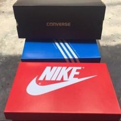 Box Đựng giày các hãng(chú ý : trong quá trình vận chuyển ko tránh được hộp bị méo chút)