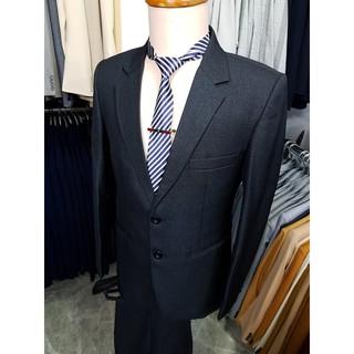 Yêu ThíchBộ vest nam màu xám đậm sọc nhuyễn kiểu 2 nút trung niên