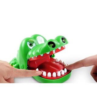 Cá sấu cắn tay nếu bạn là người không bị ngậm tay duy nhất, bạn sẽ giành chiến thắng SP60721S