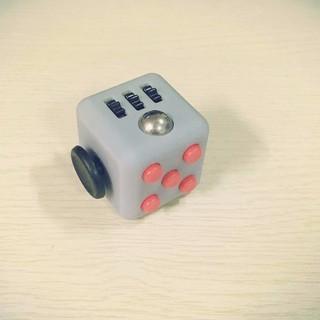 Fidget Cube – Xí Ngầu Xả Stress (Loại 2)