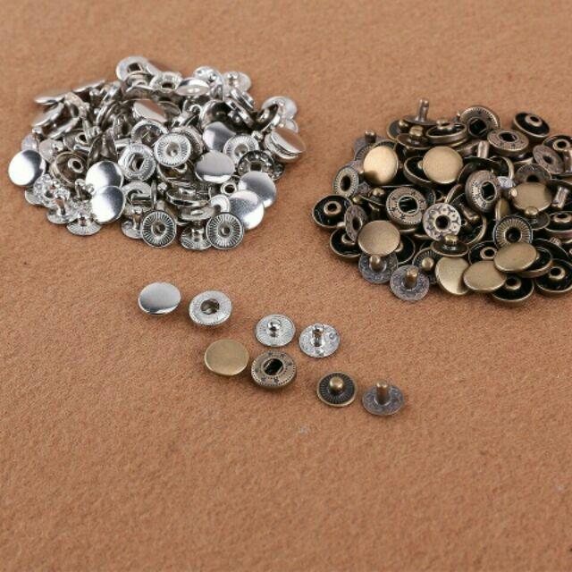 Cúc bấm 4 chi tiết trơn màu đồng và bạc (size 10mm và 12mm)