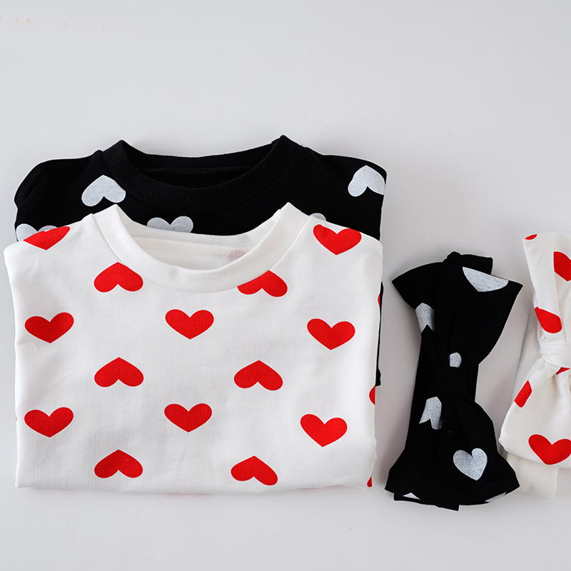 Bộ áo liền thân + băng đô cài tóc họa tiết trái tim dễ thương dành cho bé