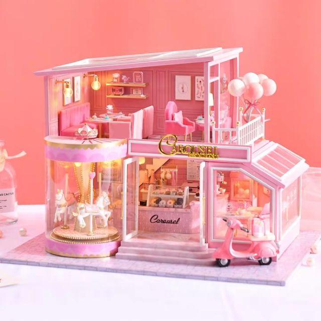 Kèm Mica và Nhạc – Mô hình nhà gỗ búp bê Dollhouse DIY – A073 Childhood Memory