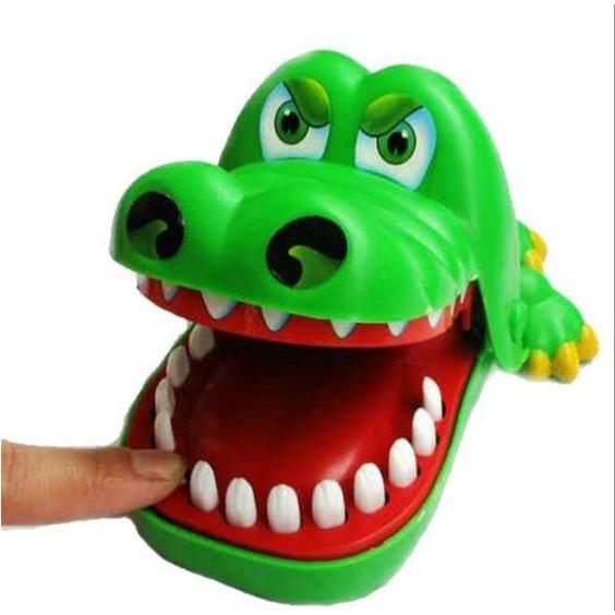 Đồ chơi Cá sấu cắn tay loại to