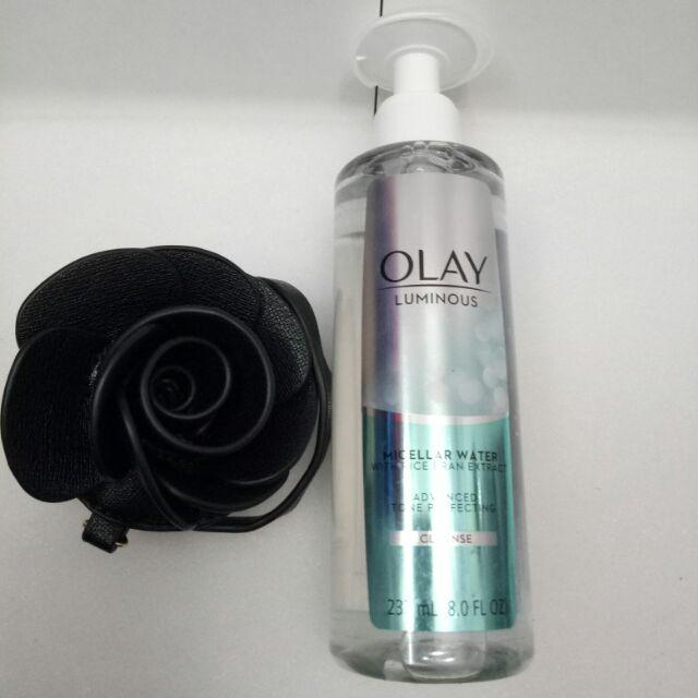 Nước hoa hồng Olay Lumious Tone Perfecting (237ml)