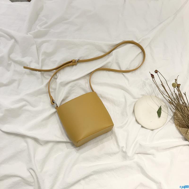 Full order250000shipmentsRetro Messenger Bag Female 2019 New Fashion Bucket Bag French Niche Bag Wild Ins Shoulder Bag