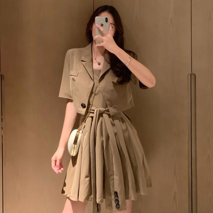 2019 ฤดูใบไม้ร่วงใหม่ของผู้หญิงเกาหลีแฟชั่นผ้าพันแผล halter เดรสสั้นแขนเสื้อสูทสองชุด 2019