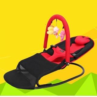 Ghế nhún có đồ chơi cho em bé