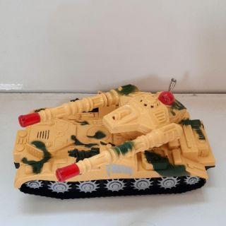 mô hình xe tăng tank có đèn và âm thanh sử dụng pin ms 2830 phù hợp cho 3 tuổi 5 tuổi trơ lên