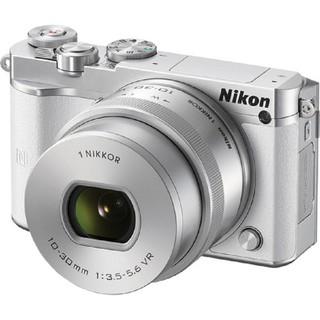 Nikon 1 J5 20.8 với Lens kit 10-30 MM F3.5-5.6 VR (Bạc)