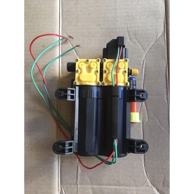 Bơm nước 12v. Bơm sinleader đôi tặng kèm đầu chuyển 12->8 phun sương làm mát tưới lan, chế rửa xe rửa máy lạnh cực mạnh.