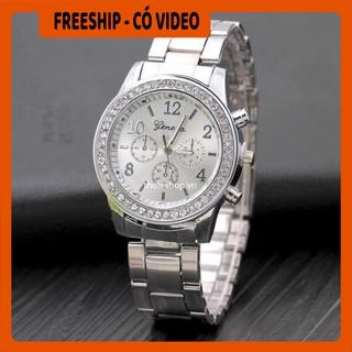Đồng hồ BH 1 THÁNG    Đồng hồ nam Geneve đính đá, thiết kế sang trọng, sử dụng kim loại sáng làm vạch số giờ và phút