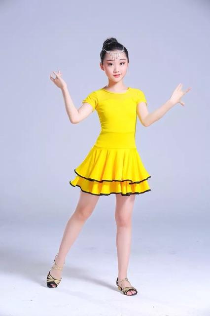 Đầm khiêu vũ trẻ em dáng xoè
