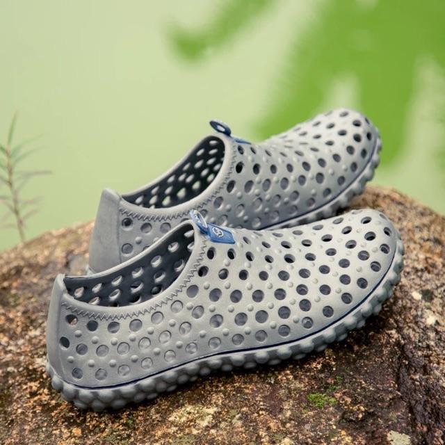 giầy lội nước đi cực kỳ êm chân