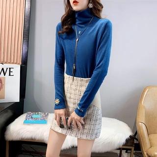 Áo Sweater Cổ Lọ Dáng Rộng Thêu Họa Tiết Xinh Xắn Cho Nữ