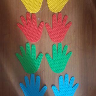Masage bàn tay.