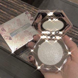 Phấn Bắt Sáng Fenty Beauty Diamond Bomb All-Over Diamond thumbnail