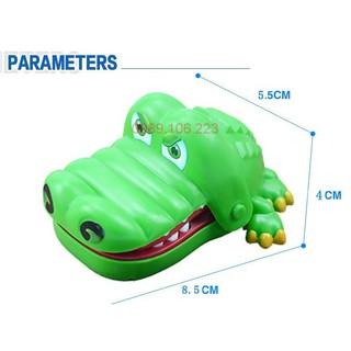 Trò chơi hiện đại con cá sấu bấm răng cắn tay cho trẻ