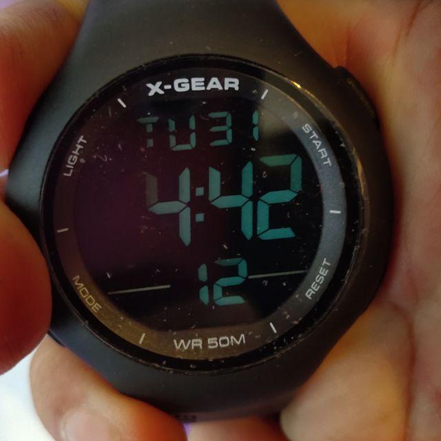 นาฬิกาข้อมือดิจิตอลboy size สำหรับผู้หญิงsport watch