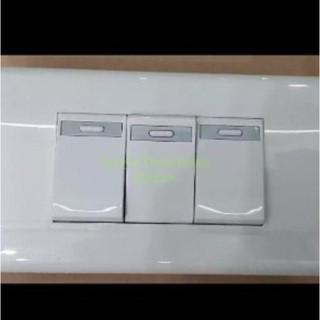 Công Tắc 3 Gang Panasonic Chất Lượng Cao