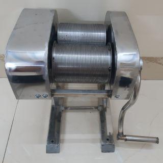 ( Nhập mã MAYTB giảm 50k) Máy thái bì heo lợn inox quay tay cỡ sợi 1mm thumbnail
