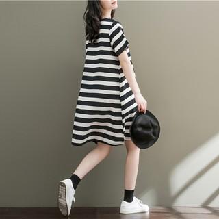 Áo thun tay dài dáng rộng thiết kế đơn giản phong cách retro