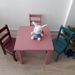 Bộ bàn ghế ăn cho bé