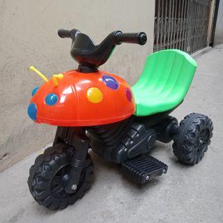 Xe máy điện bọ dừa cho bé