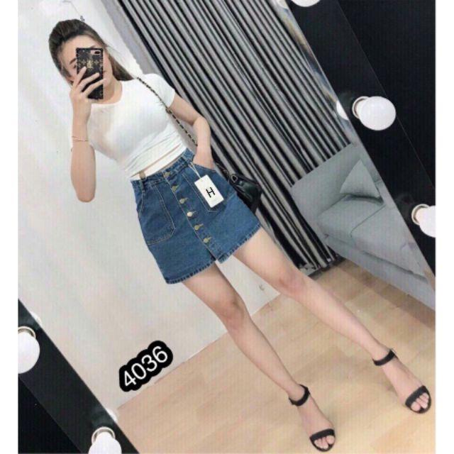 Váy Jeans Chữ A Cài Nút Giữa Túi Xéo Sành Điệu