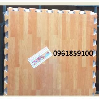 Bộ 4 miếng xốp ghép lót sàn vân gỗ VN 60*60