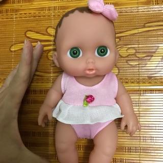 Búp bê sơ sinh bé gái