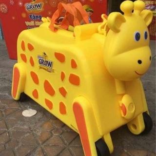 Vali Hươu 3 in 1 kiêm xe kéo và xe chòi cho bé