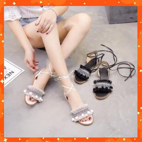 Giày sandal cột dây chiến binh thổ cẩm - 21911744 , 2442248363 , 322_2442248363 , 115000 , Giay-sandal-cot-day-chien-binh-tho-cam-322_2442248363 , shopee.vn , Giày sandal cột dây chiến binh thổ cẩm