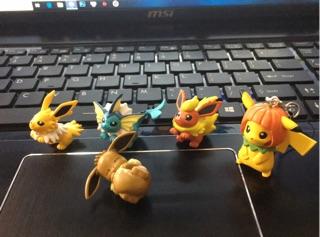 Mô hình sưu tầm quái thú collection + tặng móc khoá pikachu