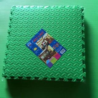 4 miếng thảm xốp ghép lót sàn 60×60 việt nam
