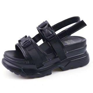 Sandal khuy cài đế cao 2 màu đen trắng