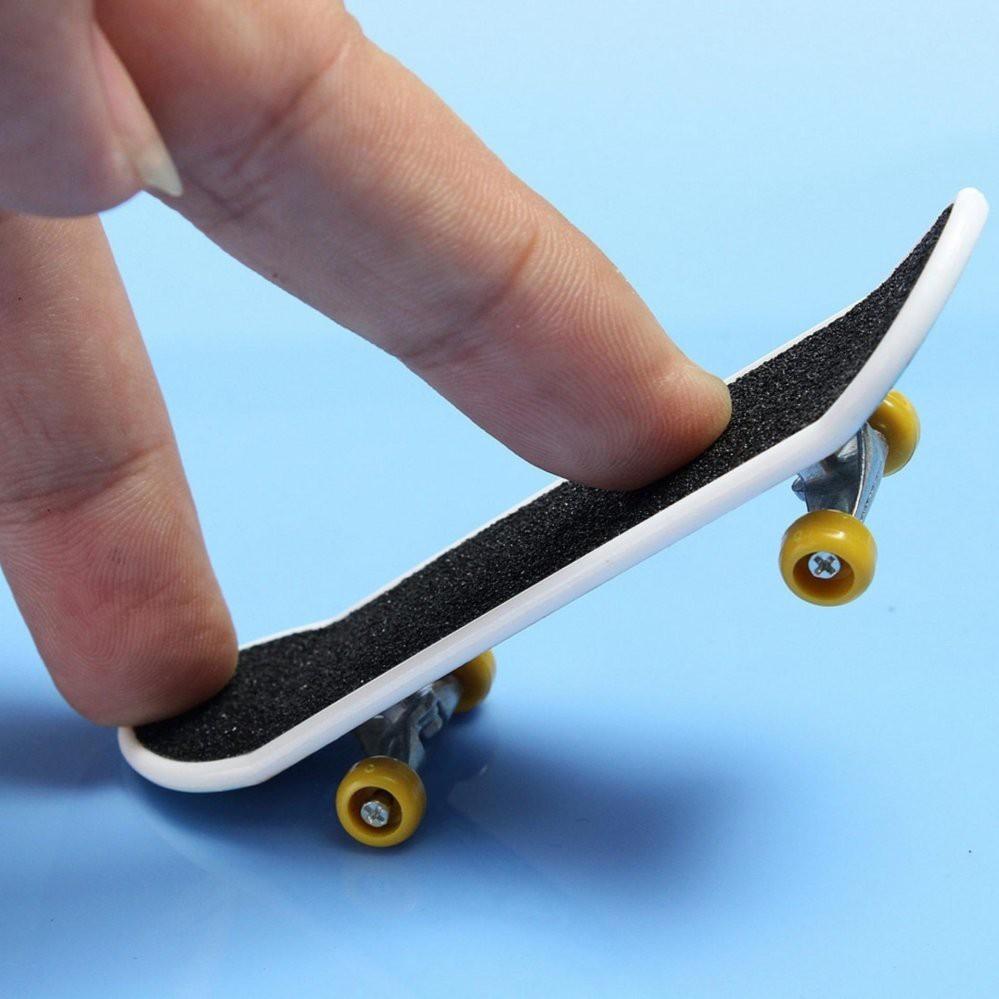 💥FOLLOW TẶNG 3K💥HÀNG CÓ SẴN💥 Ván Trượt Ngón Tay Mini Kích Thước 9.5cm Cho Bé (có 20 mẫu) 💥CHỌN MẪU💥VOUCHER 100K💥
